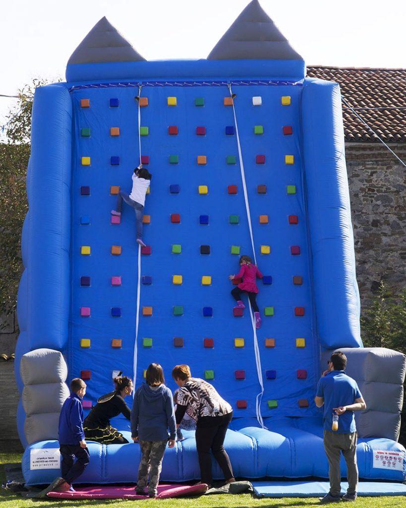 gonfiabile arrampicata